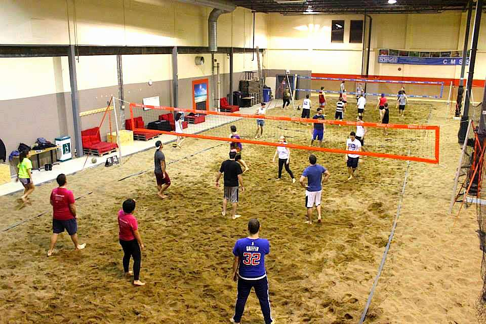 Le Beach volley parc, infrastructure sportive indoor.
