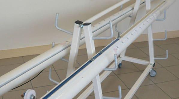 chariot de rangement pour poteaux de volley-ball