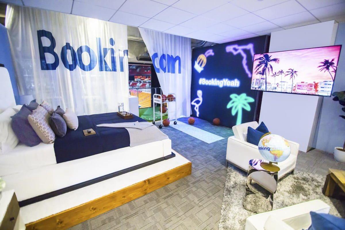 Animation 1 : Réserver sur booking une chambre dans le stade de NBA à miami