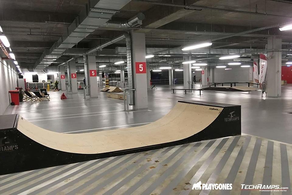 un parking réhabilité en skatepark