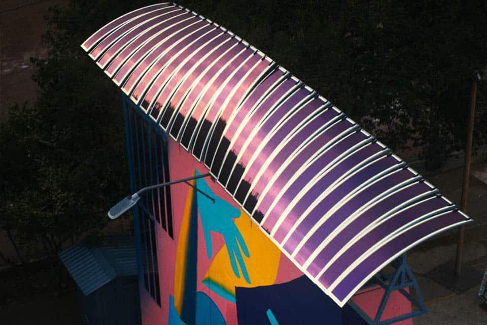 Panneau solaire photovoltaïque à la base du projet Solar Graffiti