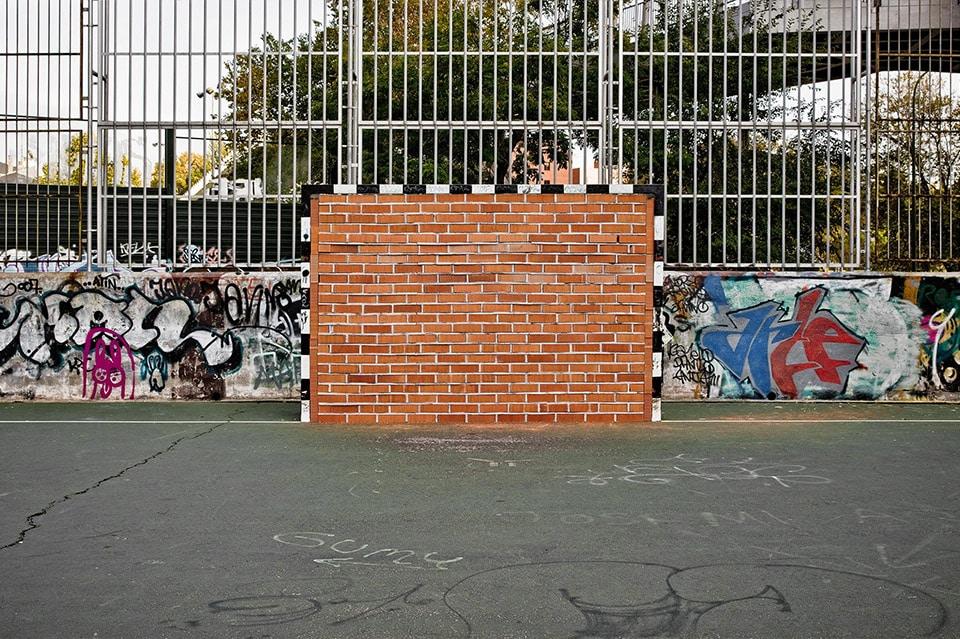 Oeuvre artistique ludico-sportive - Un wall-goal par Urban spy