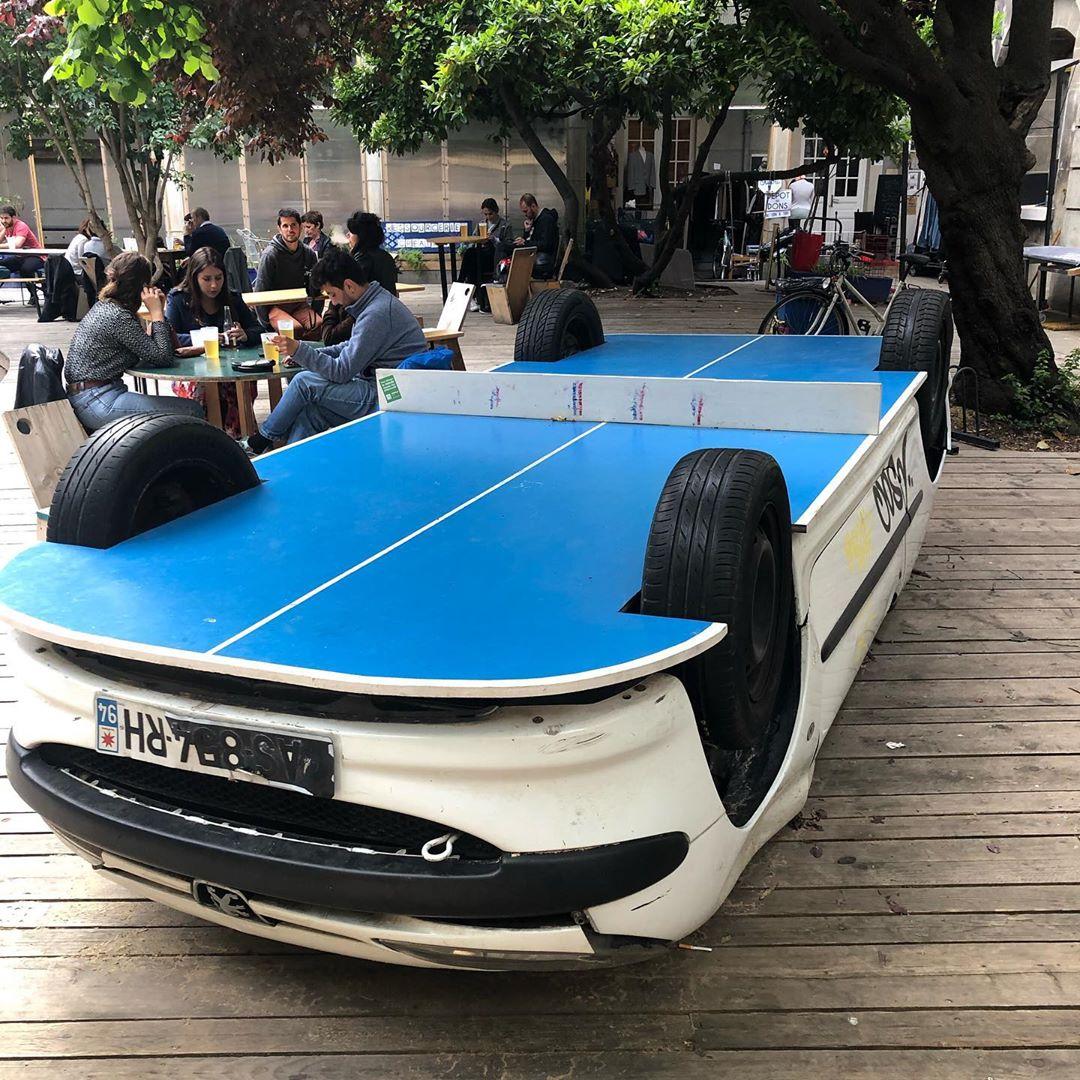 Une voiture tennis de table par Benedetto Bufalino